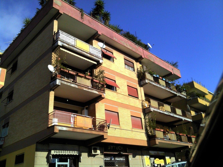 Appartamento in vendita a Velletri, 3 locali, prezzo € 115.000   CambioCasa.it