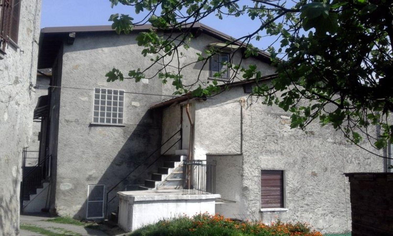 Villa a Schiera in affitto a Berbenno di Valtellina, 4 locali, prezzo € 320 | Cambio Casa.it