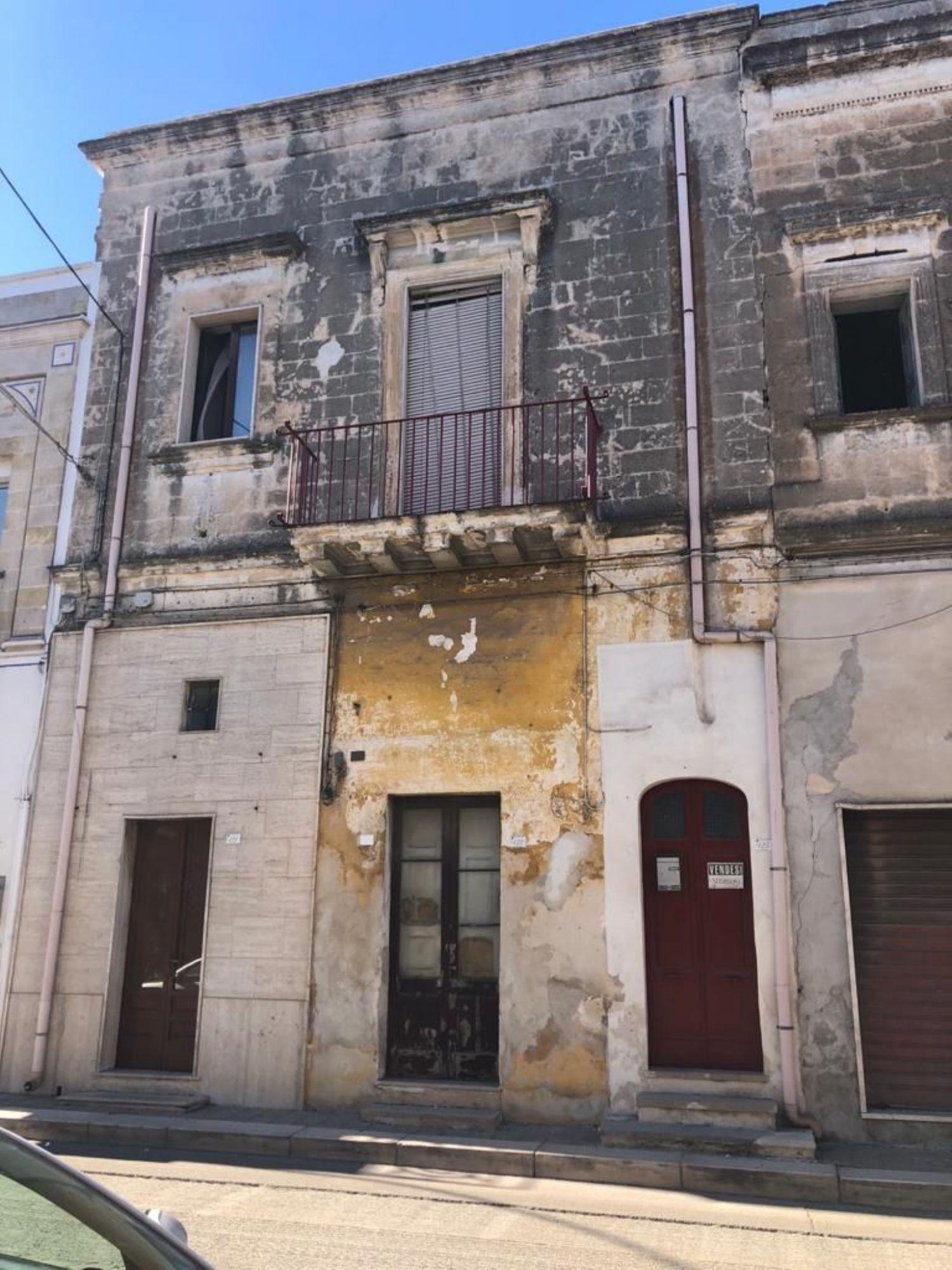 Appartamento in vendita a San Pancrazio Salentino, 12 locali, prezzo € 90.000 | CambioCasa.it
