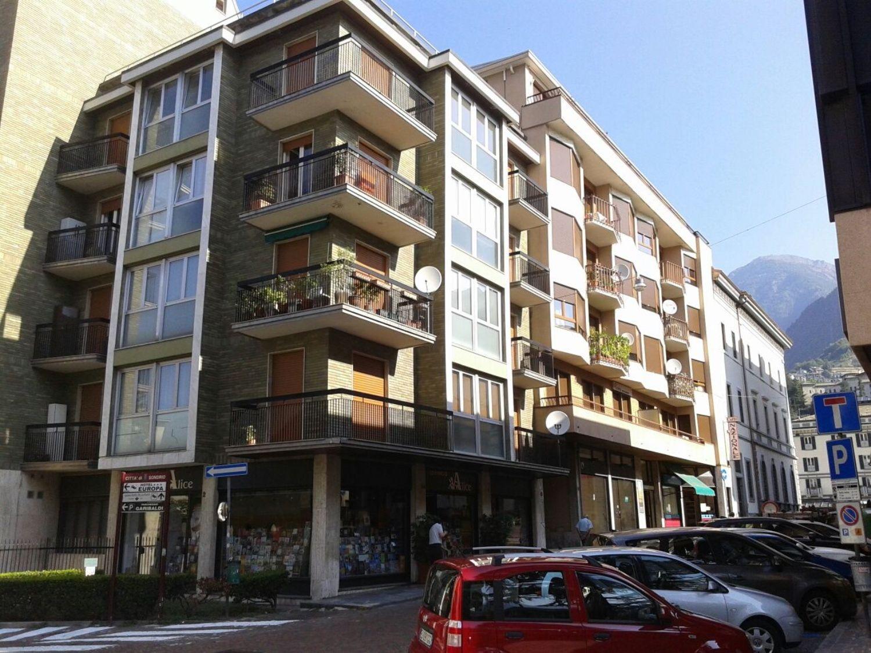 Ufficio / Studio in affitto a Sondrio, 9999 locali, prezzo € 500 | CambioCasa.it