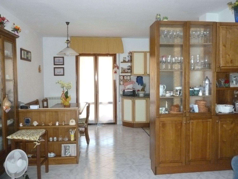 Villa Bifamiliare in vendita a Pescaglia, 5 locali, prezzo € 145.000 | Cambio Casa.it