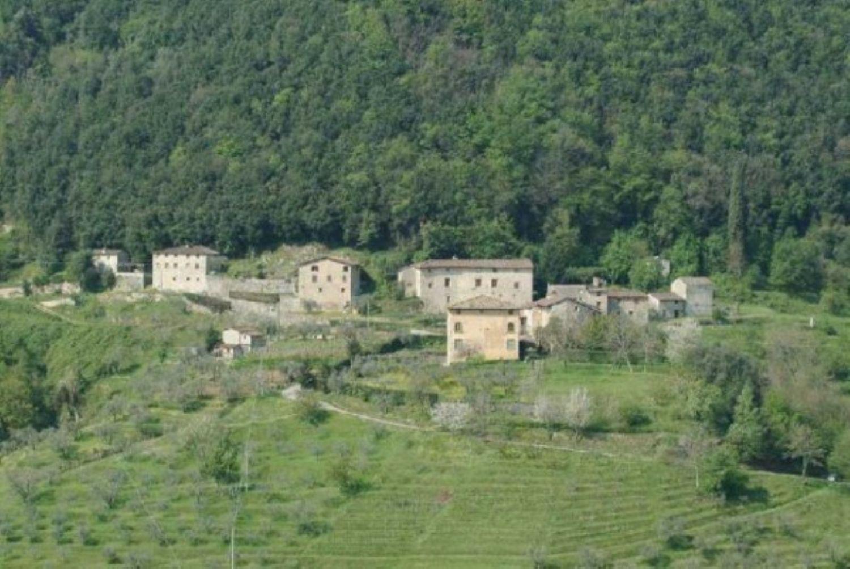 Soluzione Indipendente in vendita a Pescaglia, 15 locali, prezzo € 9.500.000 | CambioCasa.it
