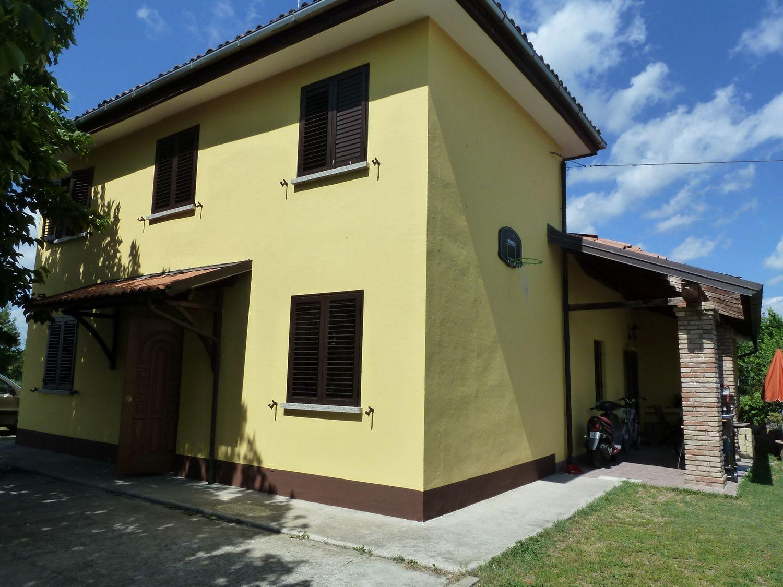 Soluzione Indipendente in vendita a San Giovanni in Persiceto, 7 locali, prezzo € 250.000 | Cambio Casa.it