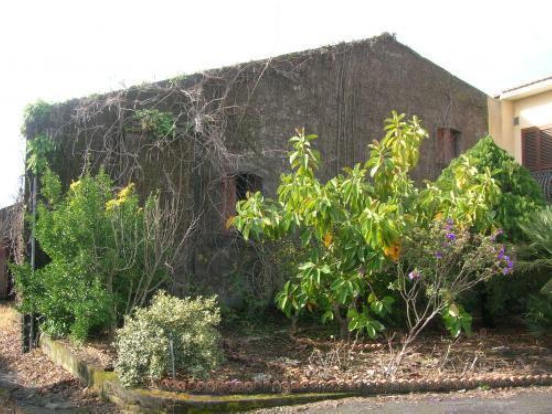 Appartamento in vendita a Santa Venerina, 10 locali, prezzo € 70.000 | Cambio Casa.it