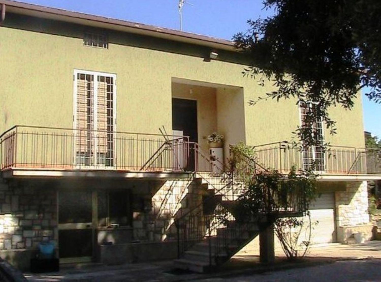 Appartamento in affitto a Cannara, 4 locali, prezzo € 550 | Cambio Casa.it