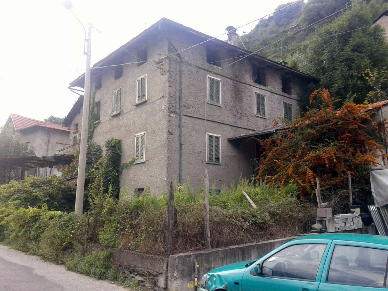 Soluzione Indipendente in vendita a Teglio, 10 locali, prezzo € 80.000 | CambioCasa.it
