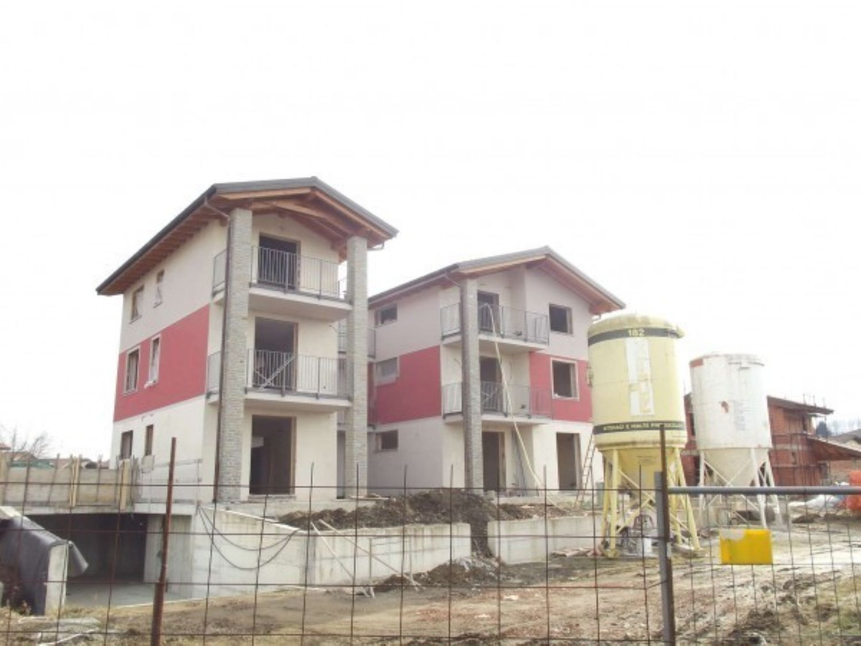 Appartamento in vendita a Cadrezzate, 2 locali, prezzo € 120.000 | Cambio Casa.it