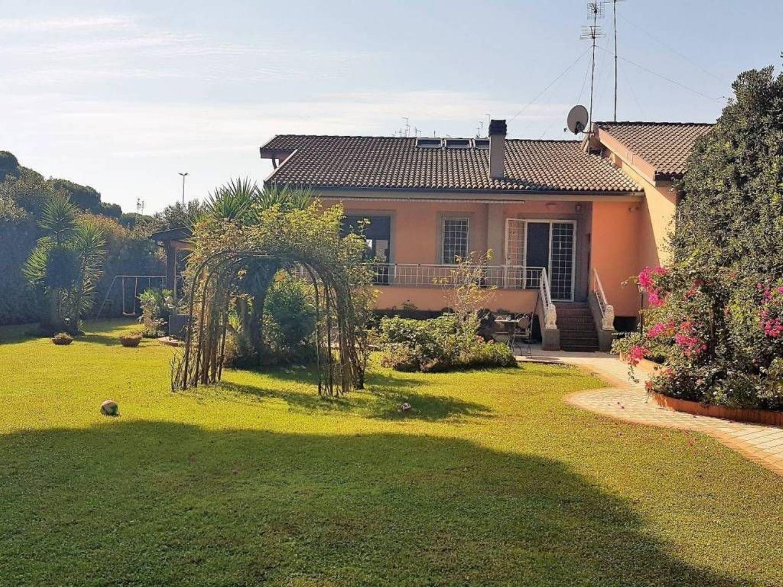 Villa a Schiera in vendita a Roma, 6 locali, prezzo € 880.000 | CambioCasa.it