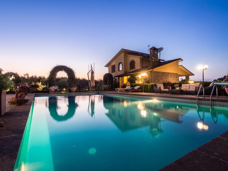 Soluzione Indipendente in vendita a Bassano in Teverina, 4 locali, prezzo € 950.000 | CambioCasa.it