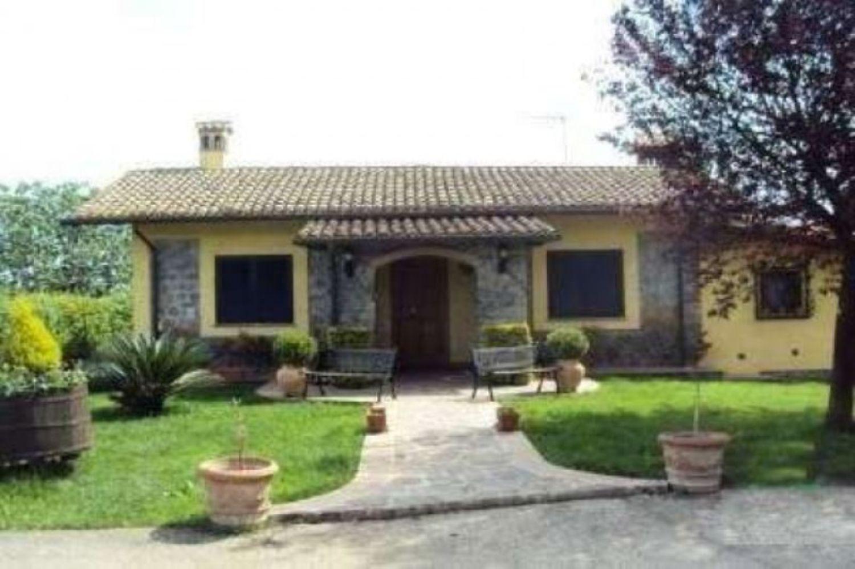 Soluzione Indipendente in vendita a Velletri, 5 locali, prezzo € 319.000 | Cambio Casa.it