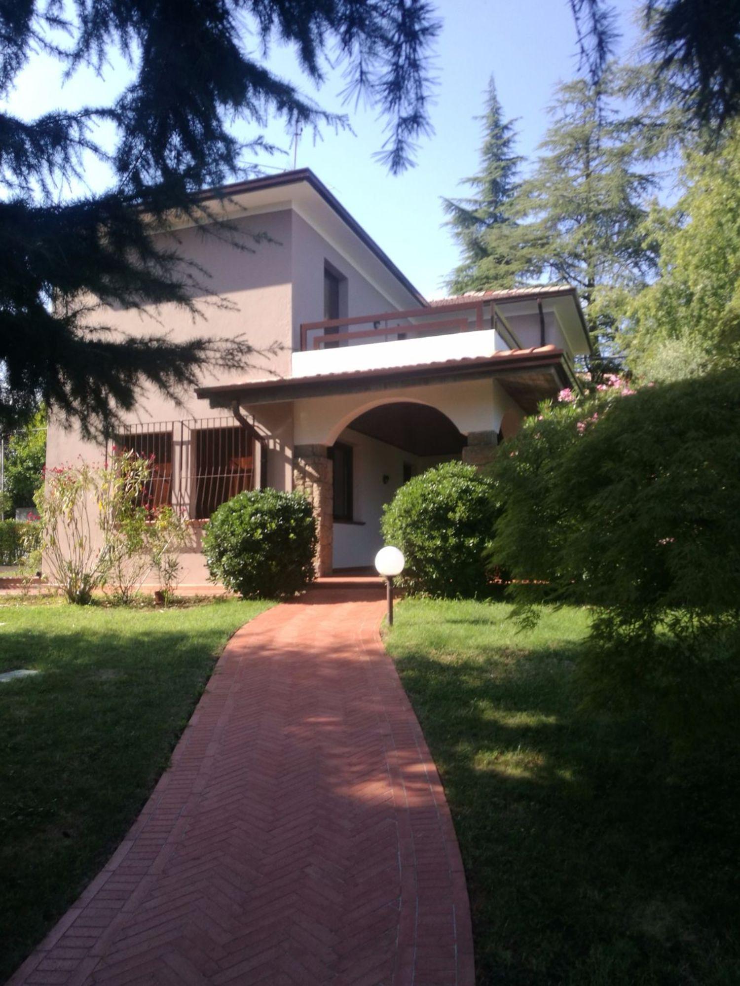 Soluzione Indipendente in vendita a Padenghe sul Garda, 9 locali, prezzo € 684.000 | CambioCasa.it