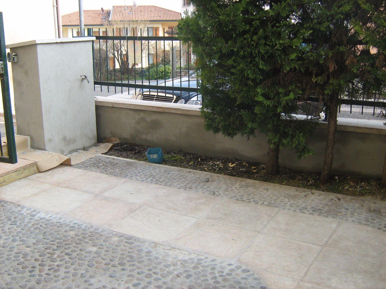 Appartamento in affitto a Sant'Ambrogio di Valpolicella, 2 locali, prezzo € 400 | Cambio Casa.it