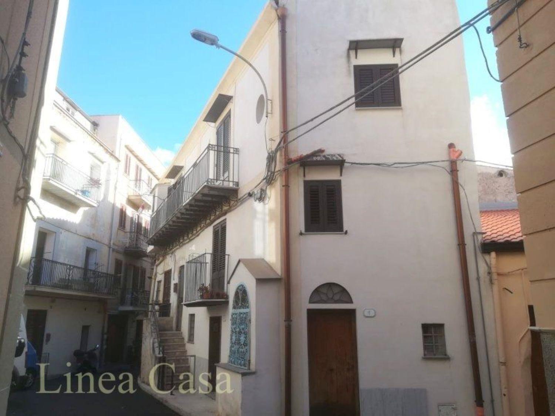 Appartamento in affitto a Monreale, 4 locali, prezzo € 470 | CambioCasa.it