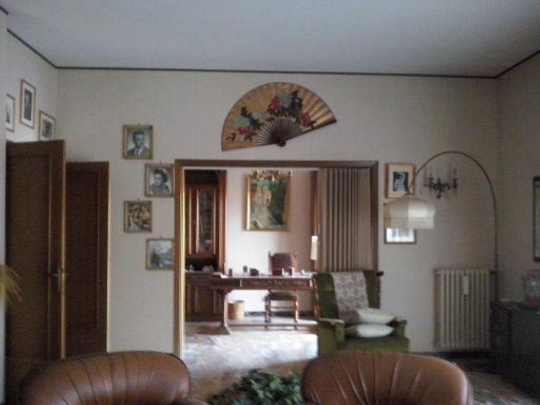 Soluzione Indipendente in vendita a Orte, 6 locali, prezzo € 199.000 | Cambio Casa.it