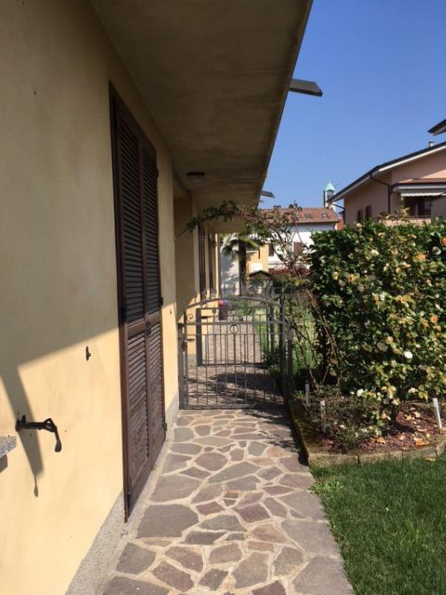 Duplex in affitto a Trezzano Rosa, 3 locali, prezzo € 600 | Cambio Casa.it