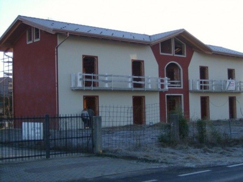 Appartamento in vendita a Rivarolo Canavese, 4 locali, prezzo € 185.000 | CambioCasa.it