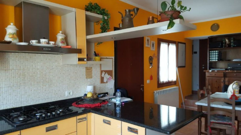 Appartamento in Vendita a Bregano