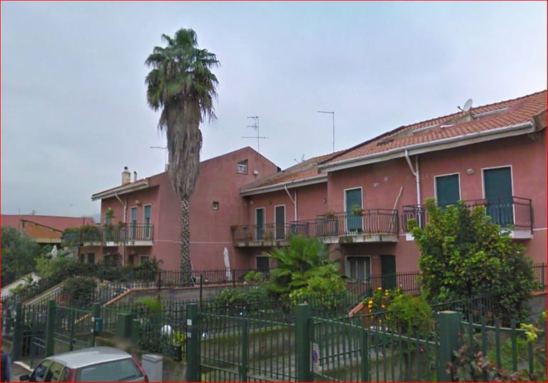 Villa a Schiera in Vendita a Giardini-Naxos