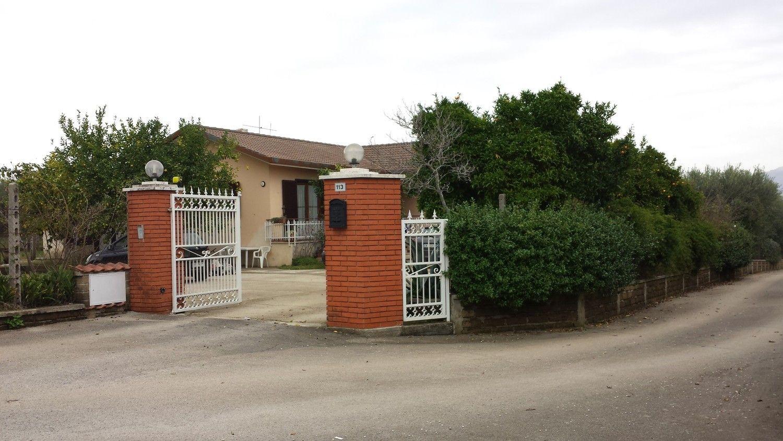 Soluzione Indipendente in vendita a Velletri, 7 locali, prezzo € 319.000 | Cambio Casa.it