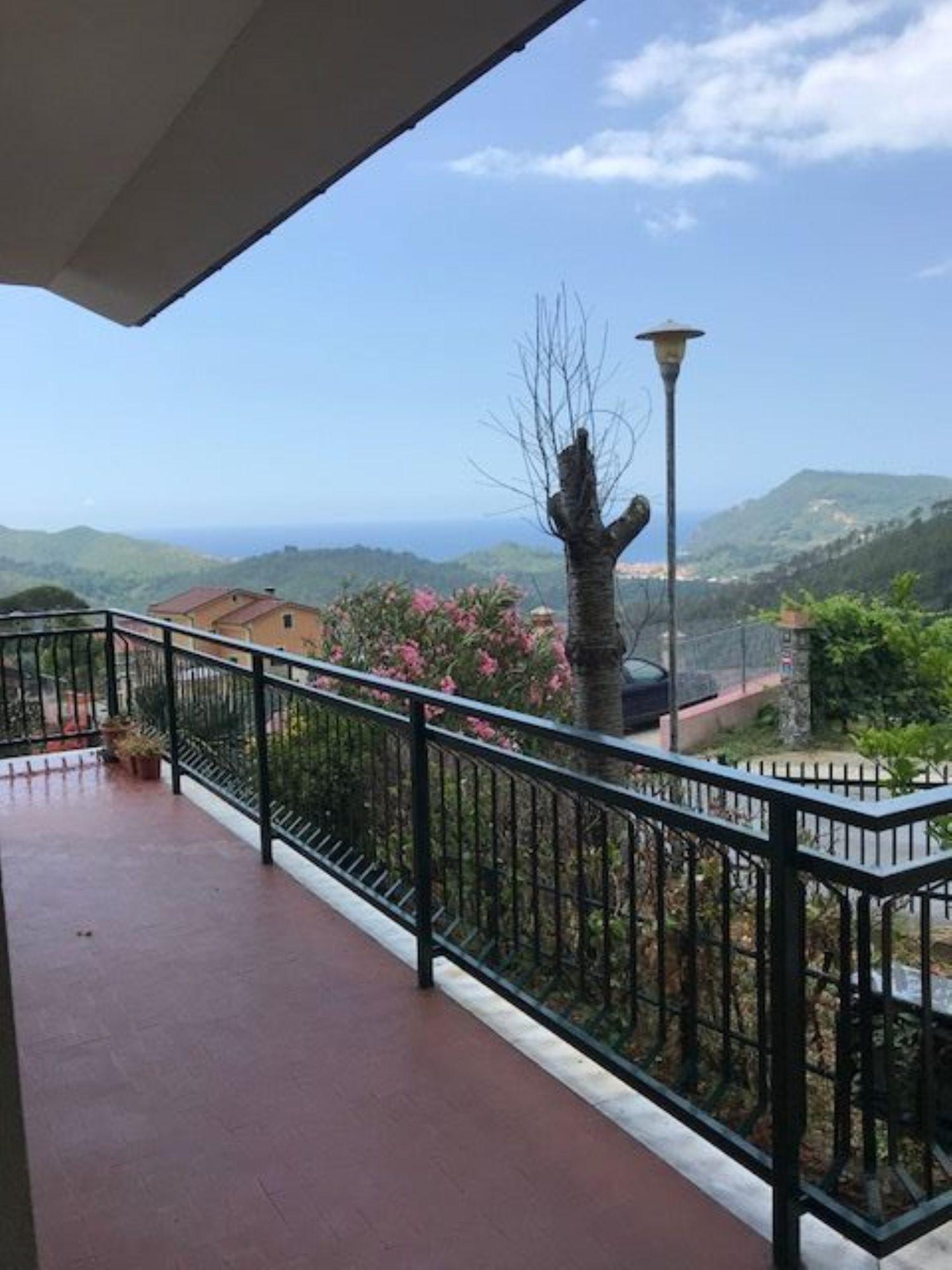 Villa Bifamiliare in affitto a Casarza Ligure, 5 locali, prezzo € 700 | CambioCasa.it