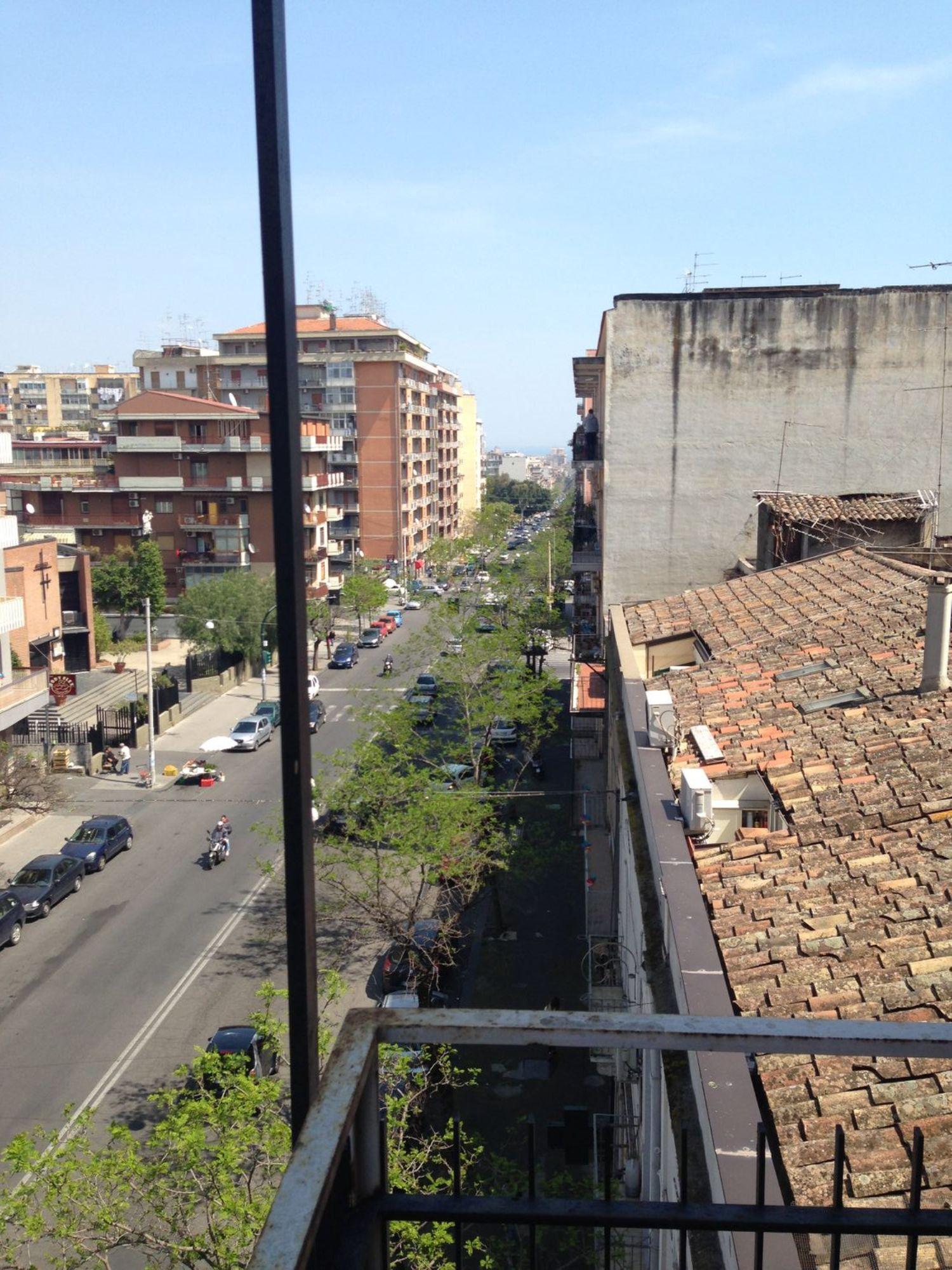 Appartamento in affitto a Catania, 5 locali, prezzo € 650 | Cambio Casa.it