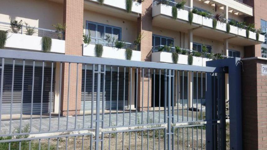 Ufficio In Vendita Roma : Ufficio in vendita in via appia nuova san giovanni re di roma roma