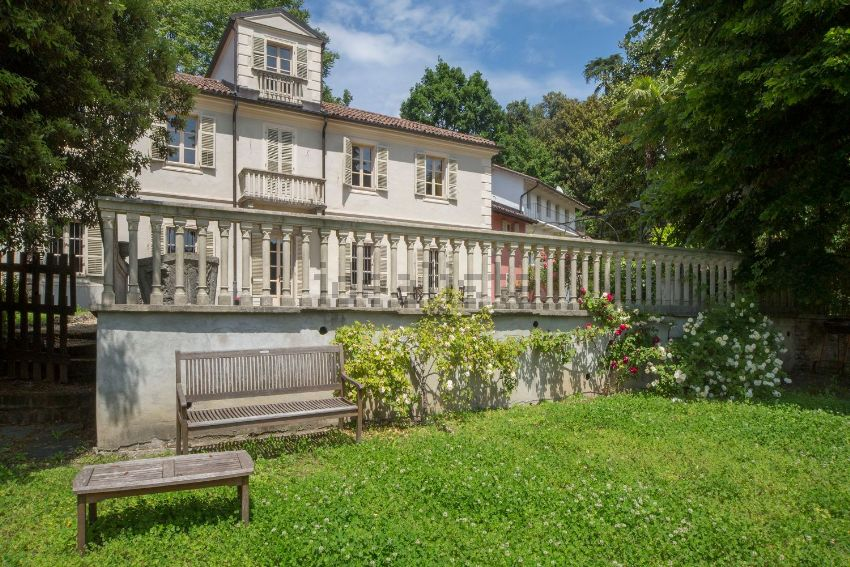 Le pi belle case d 39 epoca in vendita a torino e provincia for Vendita mobili torino e provincia