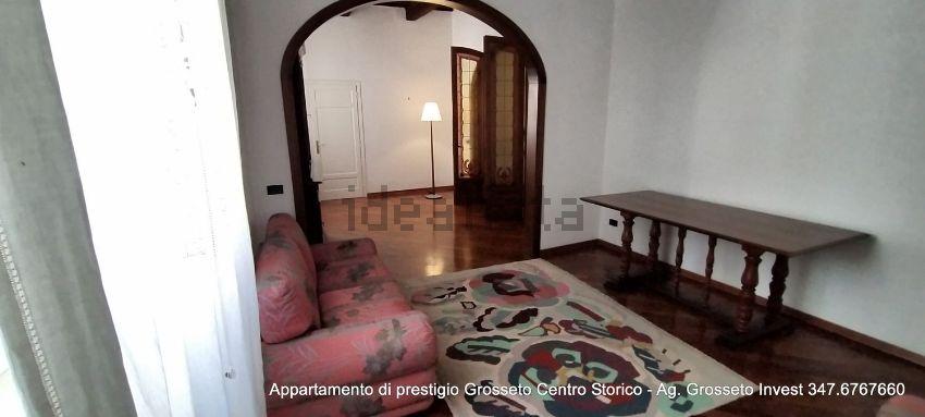 Immagine Ingresso di appartamento su  manin, 20, Centro, Grosseto