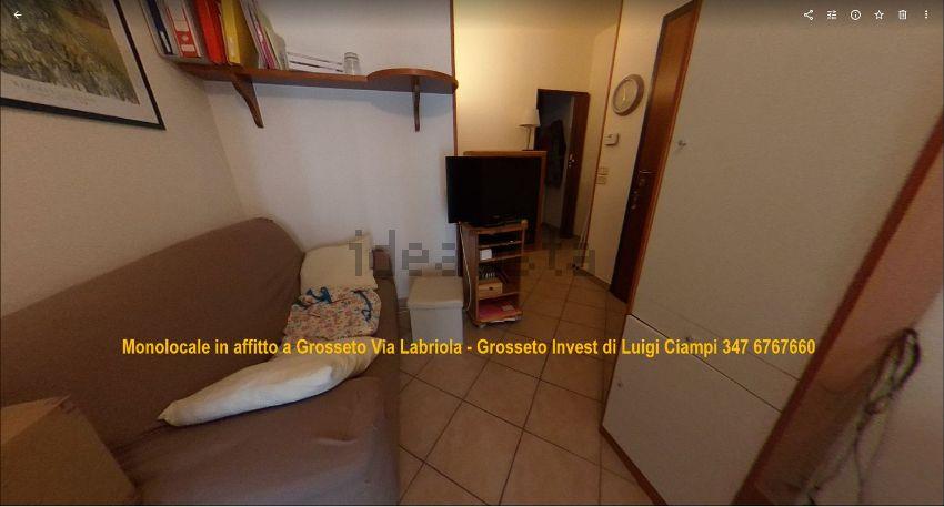 Sala del monolocale in affitto Grosseto, Via Labriola 2