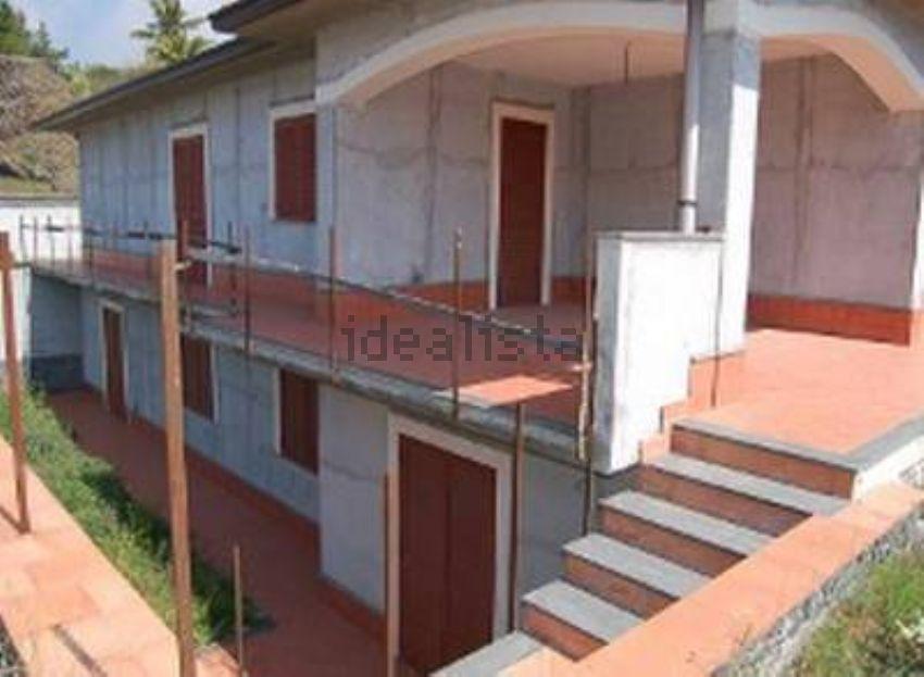 Fabulous poche foto with case progetti ville singole for Progetti ville a due piani