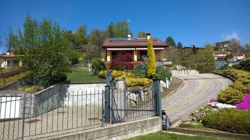 Villa in vendita a Oggiono