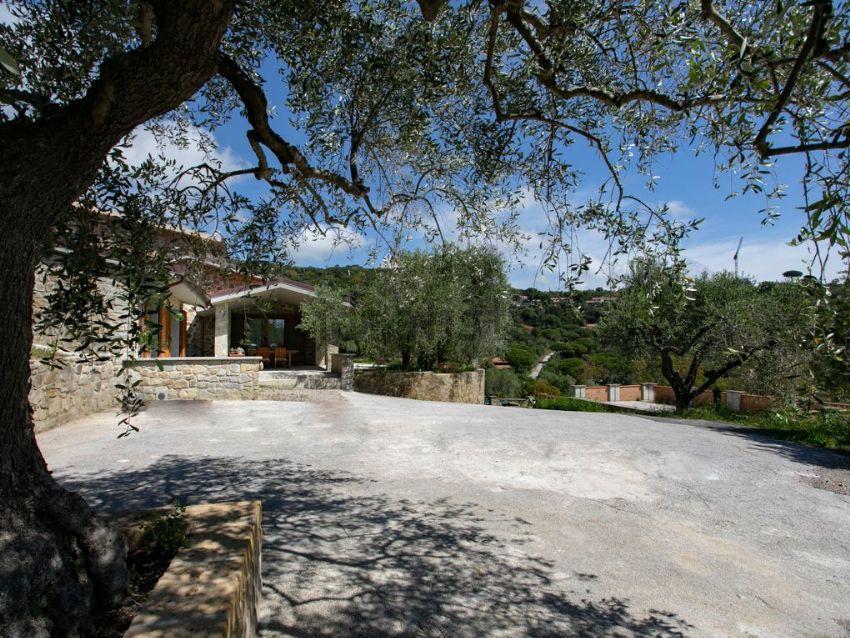 Facciata della  villa bifamiliare in vendita, Castiglione della Pescaia