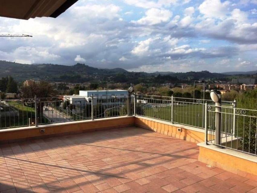 Attico in vendita a San Severino Marche, Alte Valli del Potenza e ...