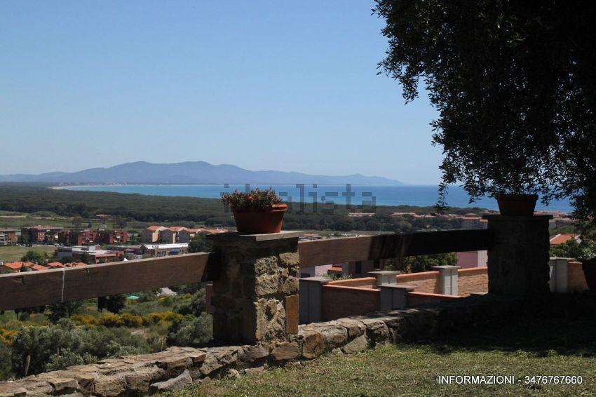 Vista di  villetta bifamiliare in zona Poggio D'Oro, Castiglione della Pescaia, Grosseto Invest di Luigi Ciampi👈
