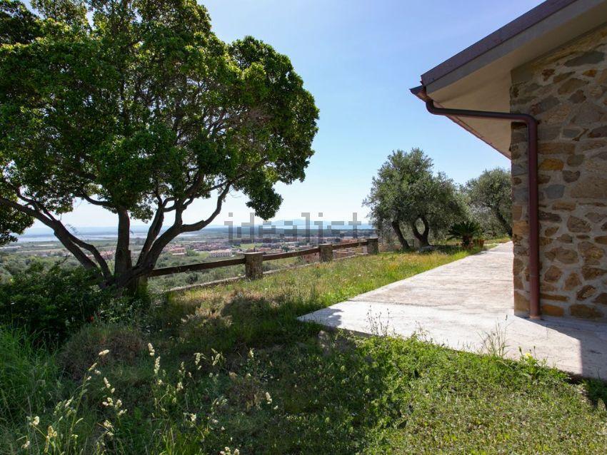 Giardino della  villa bifamiliare in vendita, Castiglione della Pescaia
