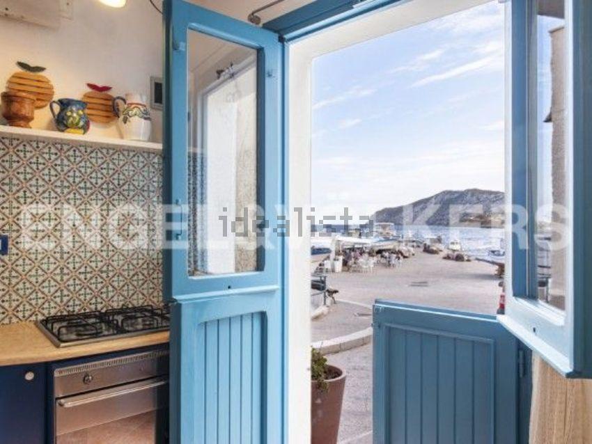 Casa indipendente in vendita in via San Simone - Marettimo, 4, Favignana