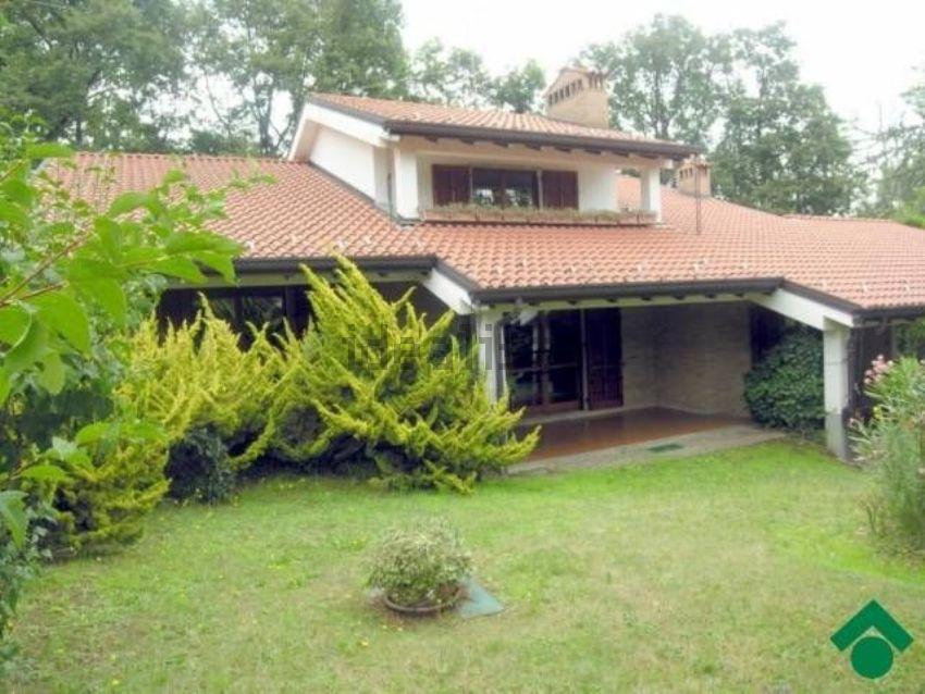 Casa o villa in vendita in via delle sorgenti, Montevecchia
