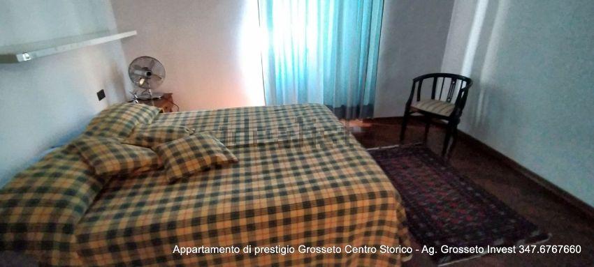 Immagine Camera da letto di appartamento su  manin, 20, Centro, Grosseto