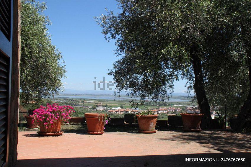 Giardino di  villetta bifamiliare in zona Poggio D'Oro, Castiglione della Pescaia, Grosseto Invest di Luigi Ciampi👈