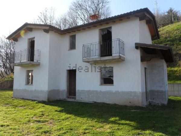Casa indipendente in vendita in Comune Bagni di Lucca, frazione ...