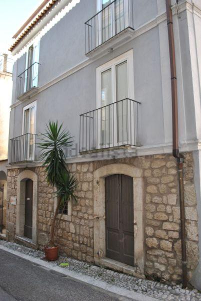 Casa indipendente in vendita in via Roma, 60, San Lorenzello