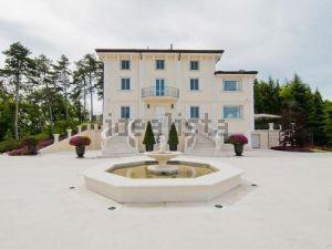 Villa a Fortunago