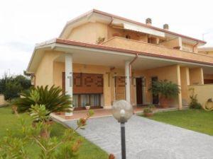 Villa in via di villa claudia