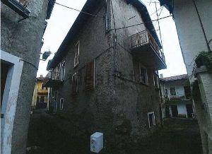 Villetta bifamiliare in via Manzoni, 15