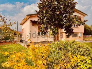 Casa indipendente in via raffaello sanzio s.c.n