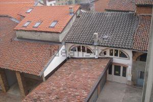 Appartamento su due piani in via Santa Caterina, 6