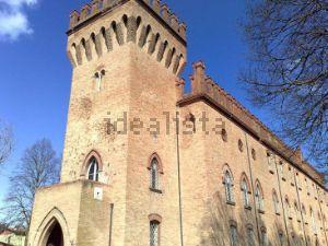 Castello in via del Castello, 4