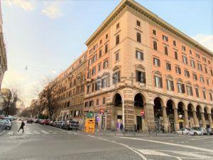 Appartamento in piazza Vittorio Emanuele II, 2