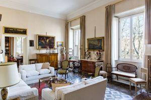 Appartamento su due piani in Lungotevere Raffaello Sanzio s.c.n