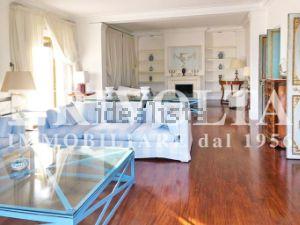 Appartamento in viale Cortina d'Ampezzo s.c.n